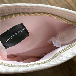 Burberry Bags - Burberry make up pouch
